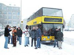 Schwuppen im Schnee: Pinkelpause am Oranienplatz.