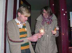 Knallerei vorm Lambda: Alex und Freund