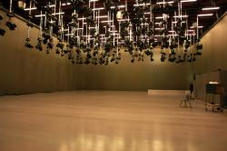 Führung in den Studios des rbb. Blick in das riesige Studio A.